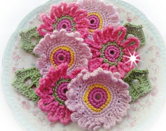 Crochet Flowers  ref   X62        6 and 4leaves