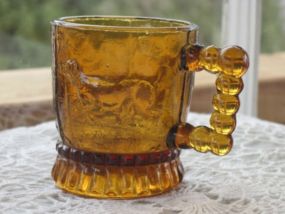 Antique Amber Miniature Mug Toothpick Holder with the Pointing Dog, Bryce Pattern