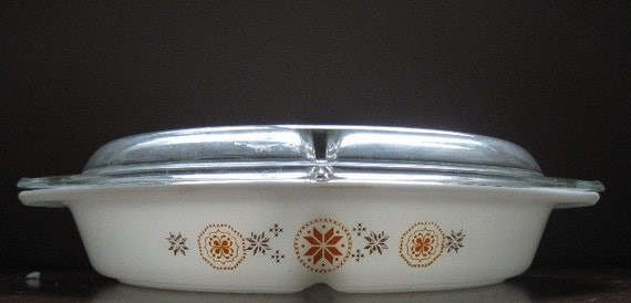 Vintage Pyrex 1950s 1.5 Quart Divided Covered Casserole with Hex Pattern