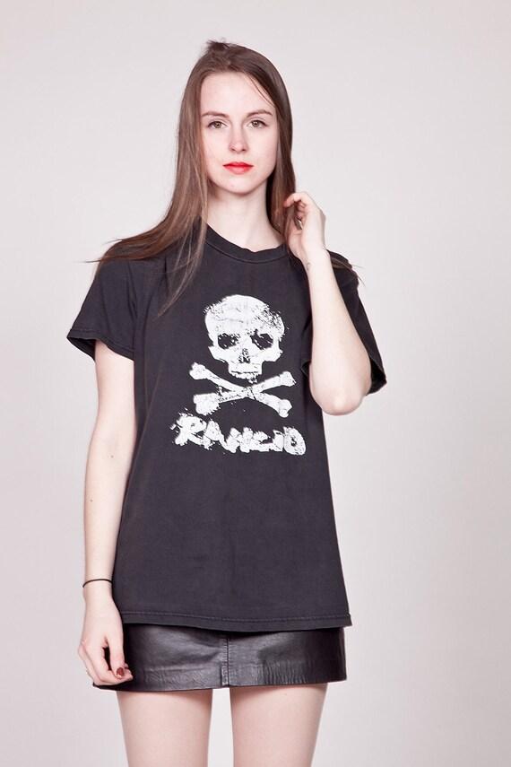Vintage 90s RANCID T-Shirt / Black Faded Printed Punk Shirt / Skull and Crossbones Rock Tee M