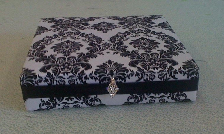 custom made wedding cake stands custom made wedding cake stand damask with black accent 16 x 13216