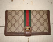 Fabulous Vintage Gucci Wallet