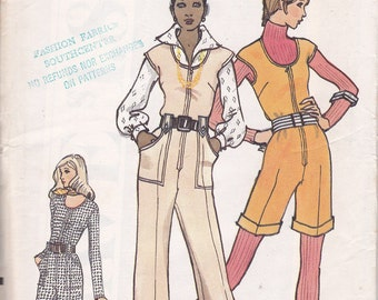 Retro 1972 semi fitted Jumpsuit pattern Very Easy Vogue 8348 SIze 12 bust 34 uncut