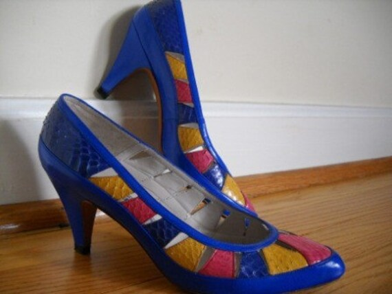 Awesome Evan Picone Multi Colored Snakeskin Pumps