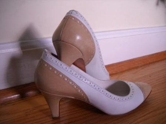 Spectacular Spectator Pumps Evan Picone Made in Italy