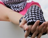 Houndstooth Accessories - Crochet Pattern - Permission to sell finished items