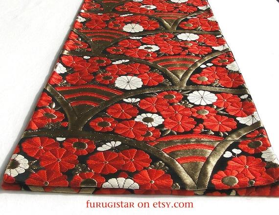 Stunning Obi. Bright, Vibrant Red Silk with Gold Thread. Japanese Vintage.
