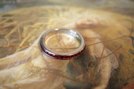 Vintage 50s RARE Sterling Silver Ruby Rhinestone Eternity Ring Size 4