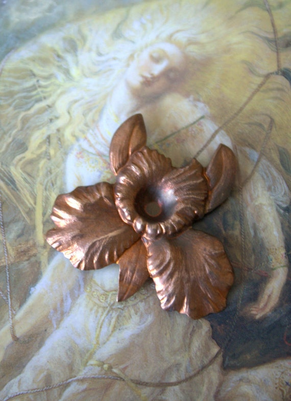 Vintage Old Brass Pretty Ornate Floral Victorian Piece