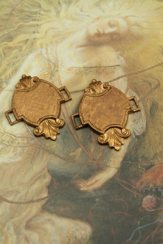 2 Vintage Etruscan DECO Old Brass Ornate Pendant Connectors