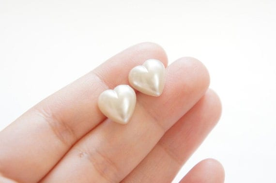 The White Heart Post Earrings