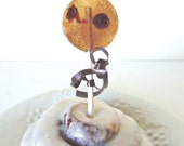 6 Cinnamon Raisin Roll Lollipops-Gourmet Artisan Candy- Natural-Vegan-Made In Hawaii-Hard Candy Suckers-Baked Treats