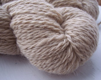 worsted yarn icelandic light taupe