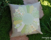 Cotton and Linen Quilted Dresden plate pillow cover