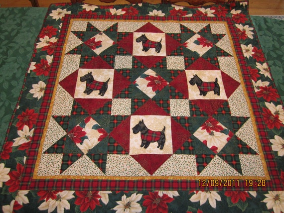 Quilt Pattern For Scottie Dog : Black Scottie Dog Christmas Quilt with Fabrics of Plaid
