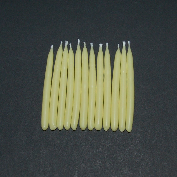 Set of 12 Light Yellow Soy Birthday Candles