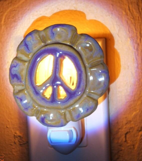 NIGHTLIGHT PEACE Sign Purple Flower Power glowing light