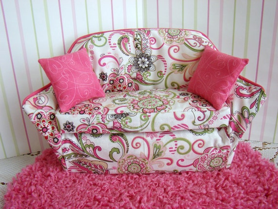 Barbie Furniture - Pink and White Flower Print Sofa w Pink Scroll Print Decorator Pillows