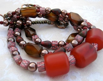 Three chunky red vintage beads neckclace, argyle cubes, short, three strands