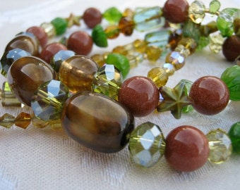Gold sand & stars necklace and earrings set - gold sandstone, gold, bronze, brown, citrus, yellow, peridot, green, double strand