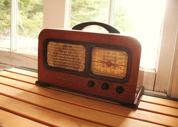 Vintage PHILCO Wood Radio Portable Tubes & Bakelite
