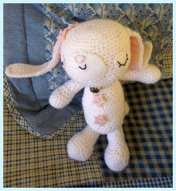 Amigurumi Sleeping Bunny : White sleeping amigurumi/ crochet plush easter bunny