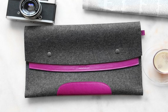 MacBook Pro 13. Dark Pink Leather & Dark Grey Wool Felt.