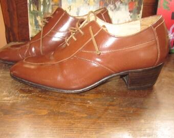 vintage granny shoes, sz 8 1/2,excellent.lace up brown leather