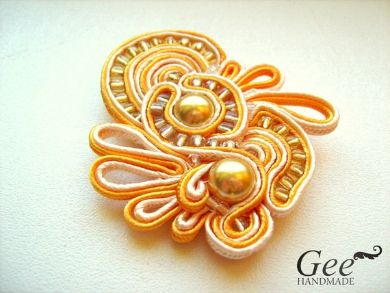 "Soutache brooch ""Camomile"""