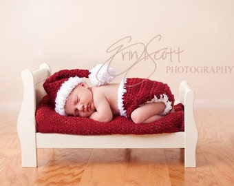 Baby Santa Hat and Diaper Cover 2 piece Matching Set-Hand Crocheted-Perfect for holiday Newborn photo shoots