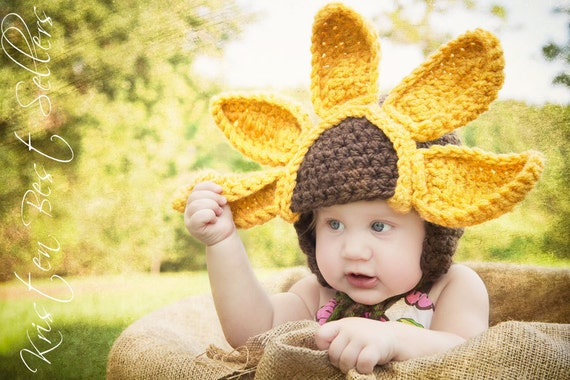 READY TO SHIP-3-6 mo size--Baby Sunflower Crochet Hat--Unique Design--Beautiful Newborn Photo Prop