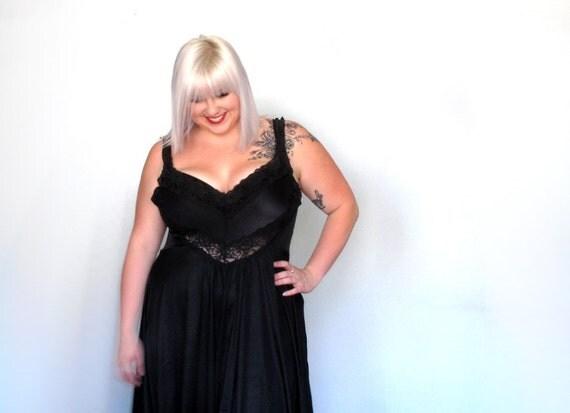 Black Lace- Vintage Lingerie - plus size- xl xxl- slip- Night dress- gown-  dress