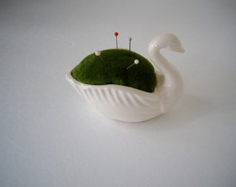 Vintage handmade swan pin cushion japan 1981 signed