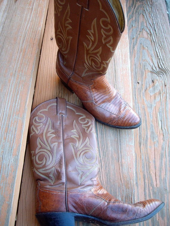 https://www.etsy.com/listing/89098581/vintage-justin-boots-men-leather-and?ga_order=most_relevant&ga_search_type=all&ga_view_type=gallery&ga_search_query=v2%20v2team%20cowboy&ref=sr_gallery_36