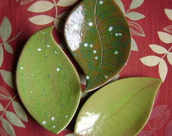 Large Leaf  Ceramic Dish, bowl, catchall, jewelry, ring holder, nature decor, soap dish, candle holder, teabag holder, spoon rest.