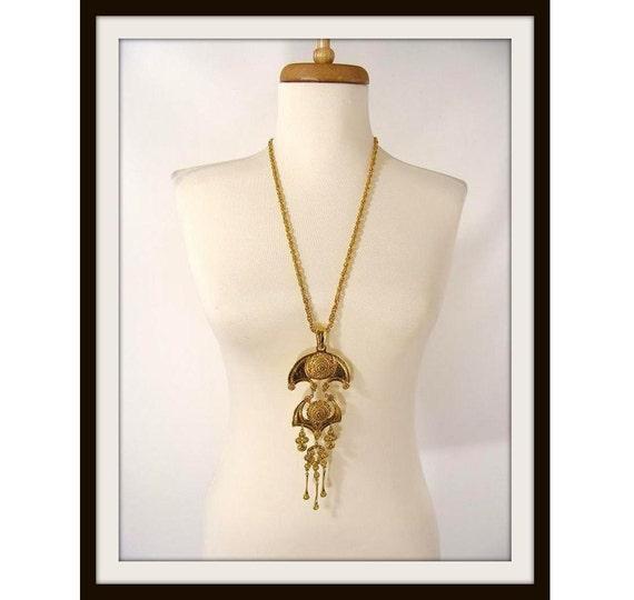 reserved for ariana til 8-2-12) vintage 70s BIG Gold Tone Statement Runway Chandelier Pendant Necklace unsigned Goldette So Fabulous