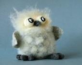 Massimiliano the Owl / needle felted art toy