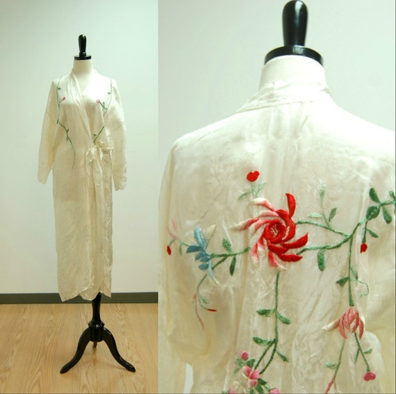 vintage// Embroidered Robe 5826