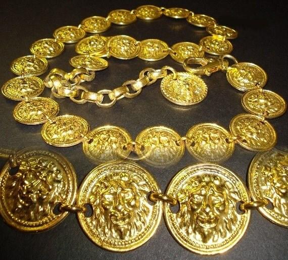 Vintage Retro gold tone Metal Lion Belt 1960s or 60s pinup bombshell Gold adjustable belt