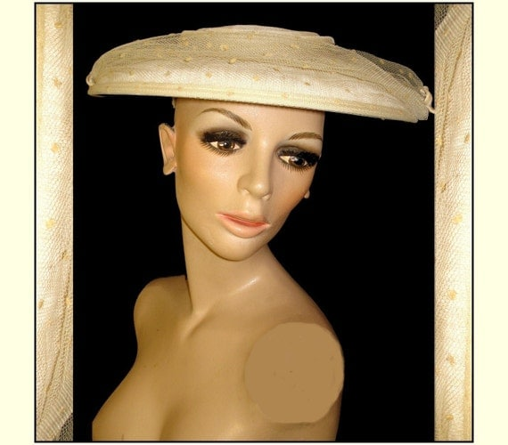 Vintage 1950s High Fashion Mid Century Hat Dress Hollywood Chic Glamorous Mad Men Rockabilly Garden Party Crème Femme Fatale Couture Wedding