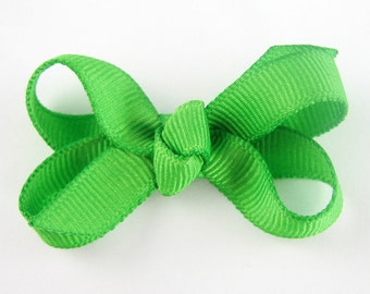 Baby Hair Bow in apple green - Extra Small Boutique Bow On Mini Snap Clip for Fine Hair Newborn to Toddler - Non Slip Barrette mm
