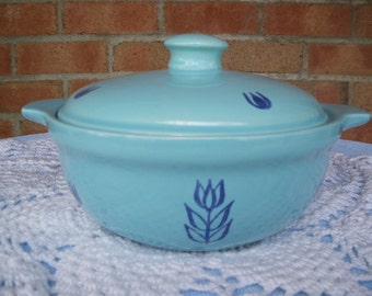Bake Oven Blue Tulip Covered Casserole Bean Pot Vintage