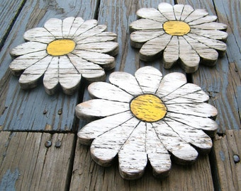 Daisies Wooden Shabby Chic Set of 3 Boho Garden Flower