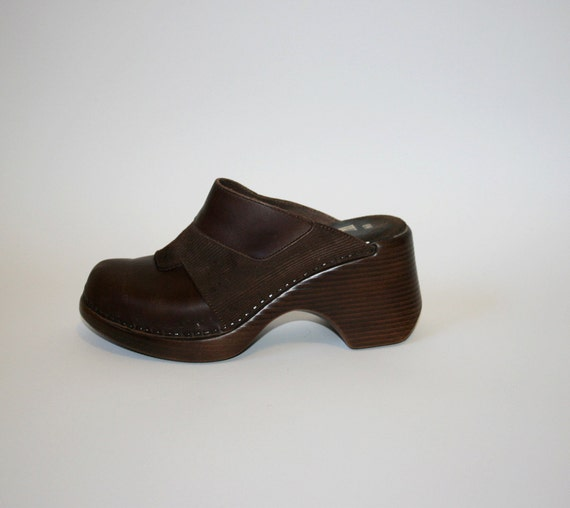 clearance sale. Vintage Chocolate Stapled Leather & Corduroy Platform Clogs Sz 8