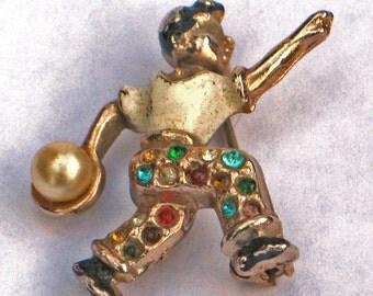 Vintage enamel metal  bowler  pin 1940s