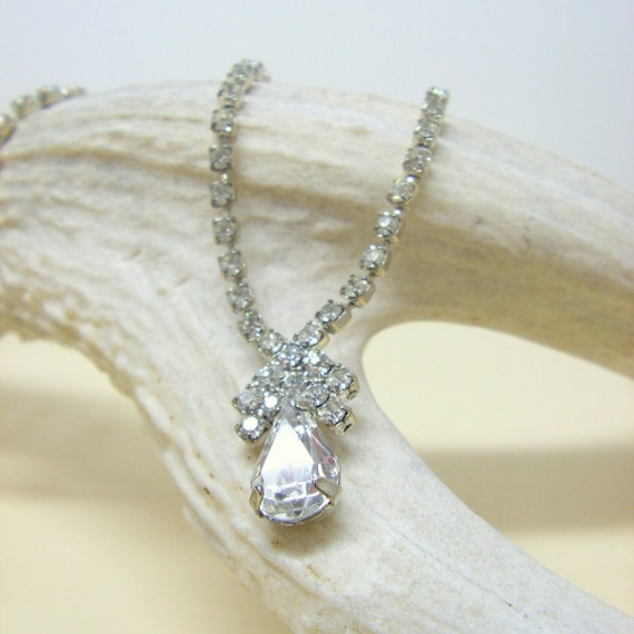 Vintage Rhinestone Teardrop Necklace Simple Bridal Statement Necklace