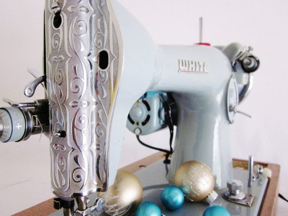Vintage Mid Century Sewing Machine White Co. Pale Blue with Silver Class 15 Singer Clone Working with Sewing attachments