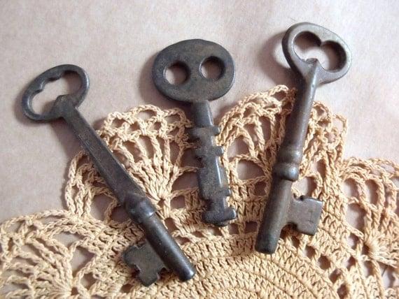 Vintage Skeleton Keys Different Sizes Three Steel Keys
