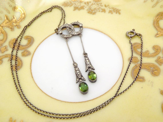Heinrich Levinger Jugendstil Antique Art Nouveau .900 Silver Necklace Green Stones and Hematites