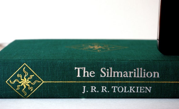 J.R.R. Tolkien Vintage booksi Charging Dock for iPod and iPhone - The Silmarillion
